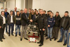 Die CBS erhält bei dem Besuch der IAVF Antriebstechnik GmbH einen Spenden-Motor