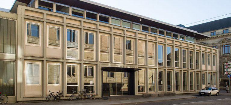 Besuch des Amtsgerichts Karlsruhes – Schöffengericht entscheidet härter als erwartet