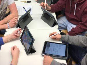Mit dem Tablet an der Carl-Benz-Schule