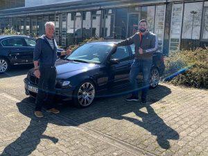 Ehemaliger Schüler spendet seinen BMW